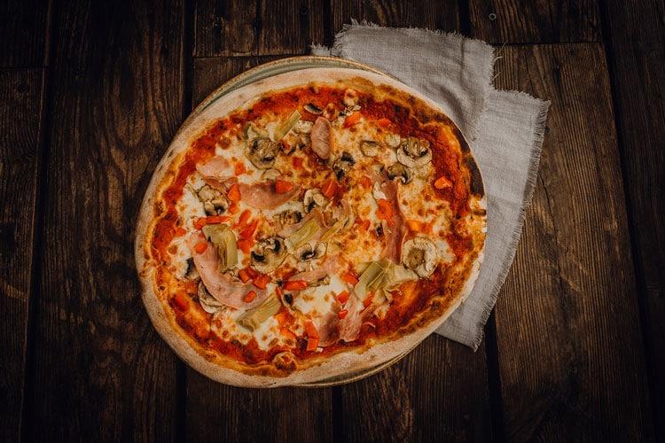 Pizza Quattro Stagioni Pizzeria Freudenstadt