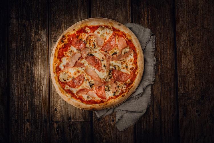 Pizza Speciale Pizzeria Freudenstadt